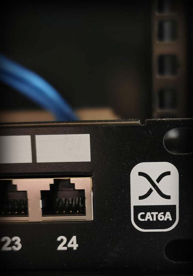 CAT6a patch panel controlled by smart home technology